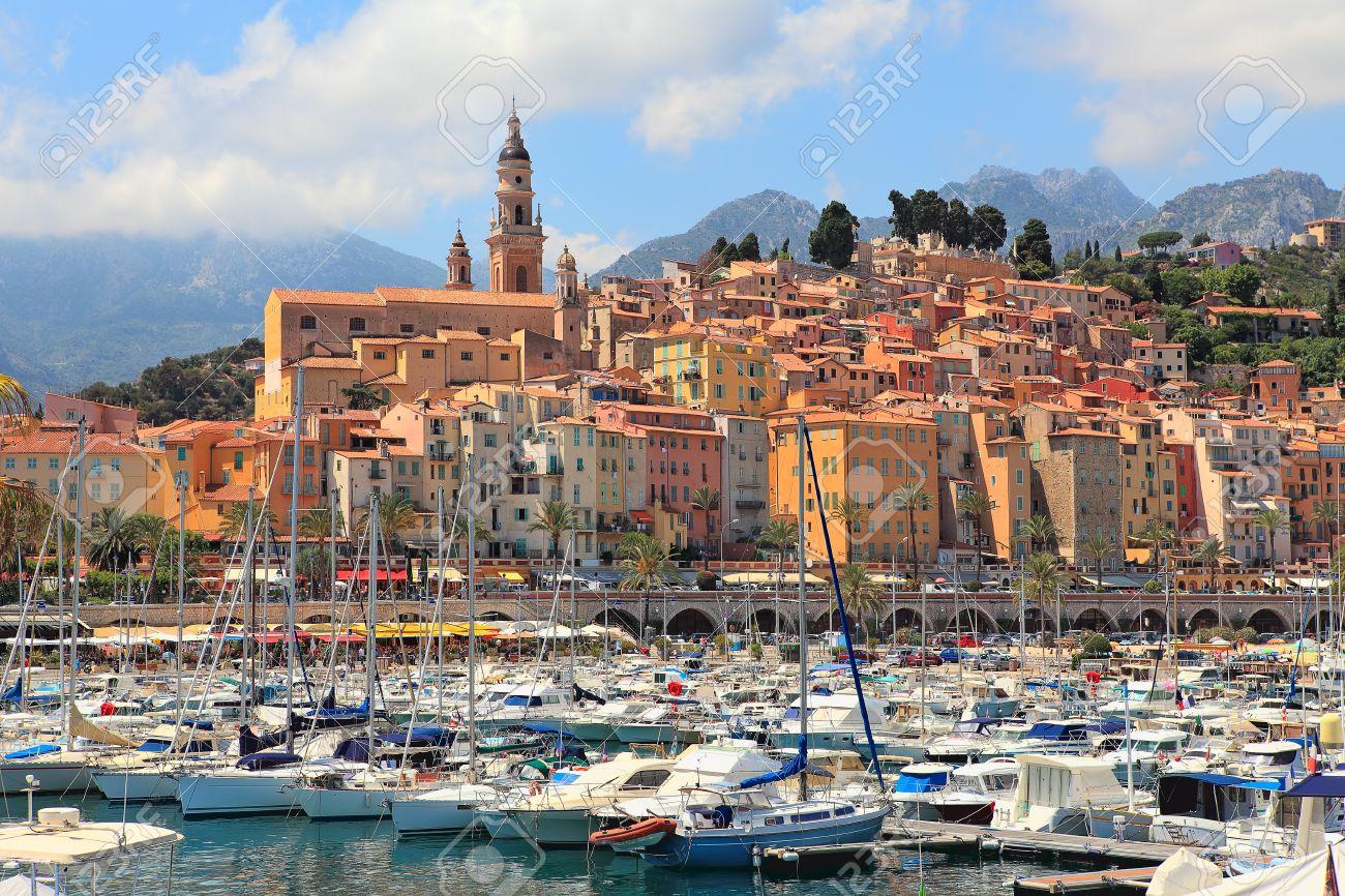 Voir La Vieille Ville De St Tropez